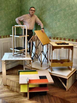 Phot1-DUF-Christian-2008-01-01-Le créateur dans ses meubles2-4Av d'Eylau-Paris